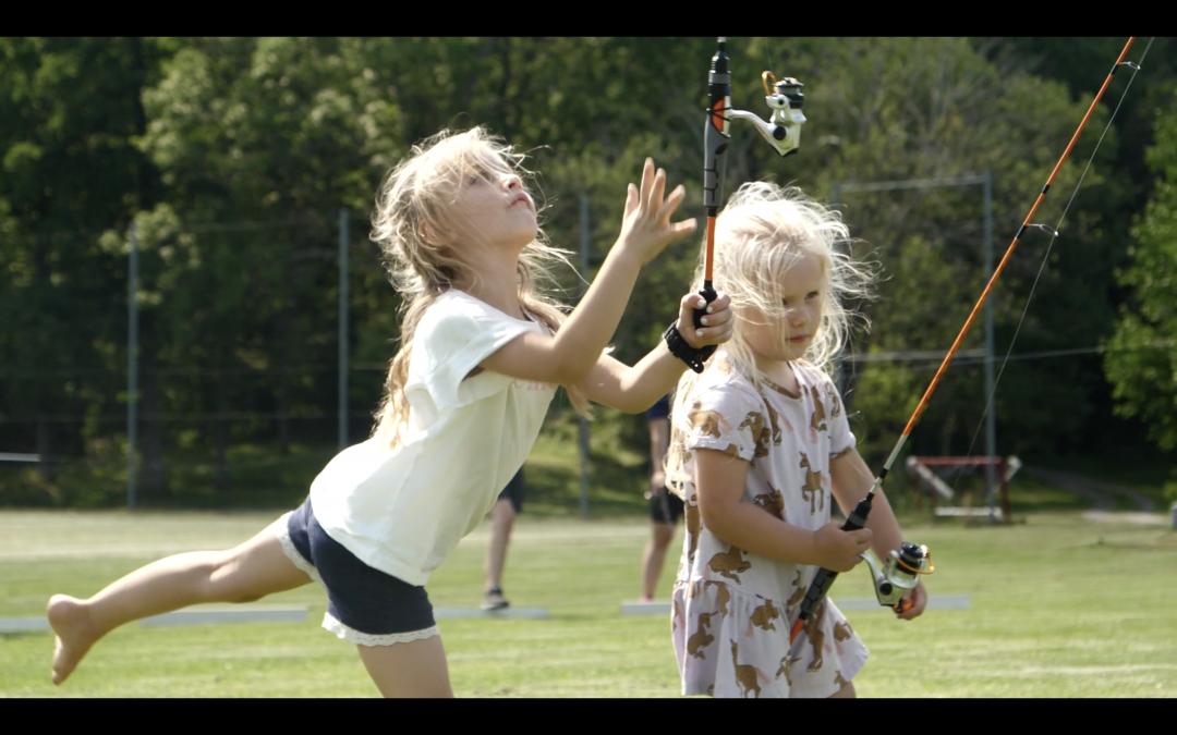 Pluggen i plugget – Kasta med spö, perfekt på skolgården!
